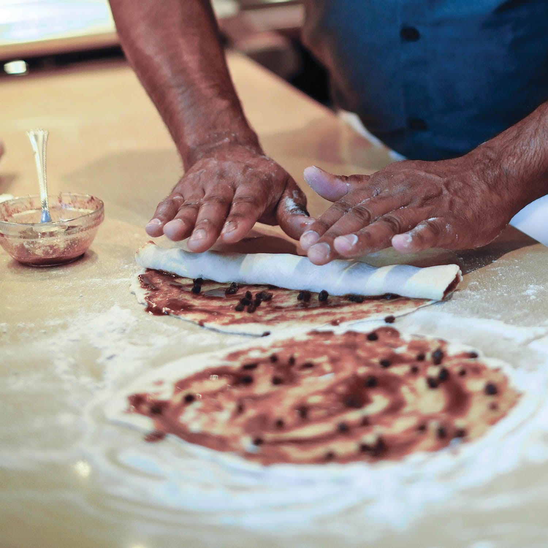 preparing cinnamon roll